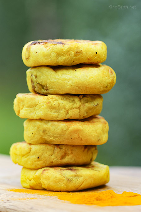 Easy Turmeric Potato Patties - baked or grilled - gluten-free vegan by Anastasia, Kind Earth